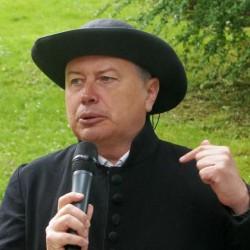 Peter Wollf als Pfarrer Kneipp